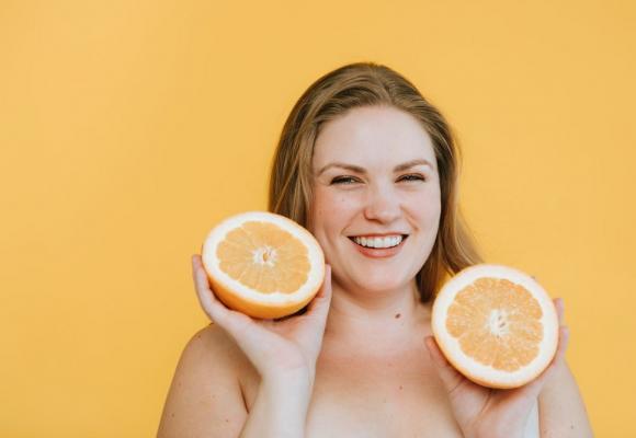 Usa cosméticos con vitamina C antes del fotoprotector