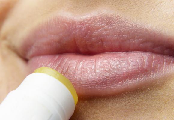 Aprende a cuidar tus labios frente al frío