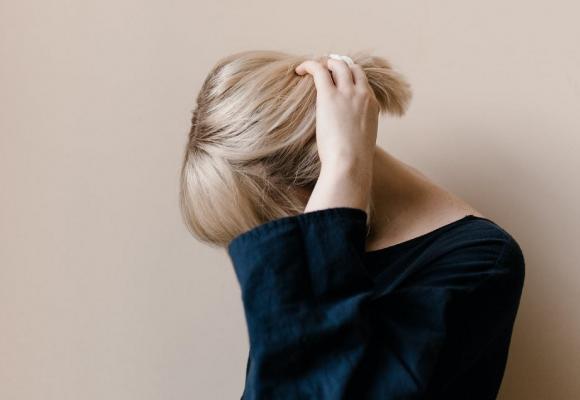 Combate la caída capilar con estos tratamientos